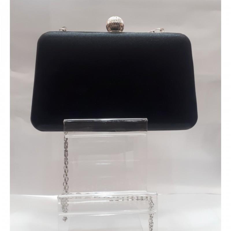 Μαύρο clutch bag με ασημί λεπτομέρειες